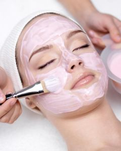 Purifying Strawberry Facial